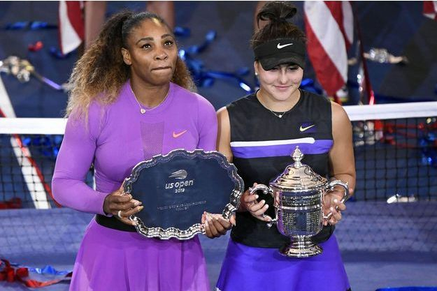 Serena Williams et Bianca Andreescu après la finale de l'US Open, samedi à New York.