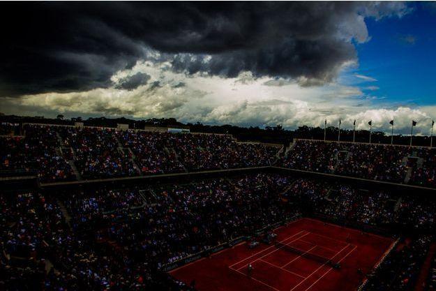 L'orage gronde au-dessus du tournoi de Roland-Garros.
