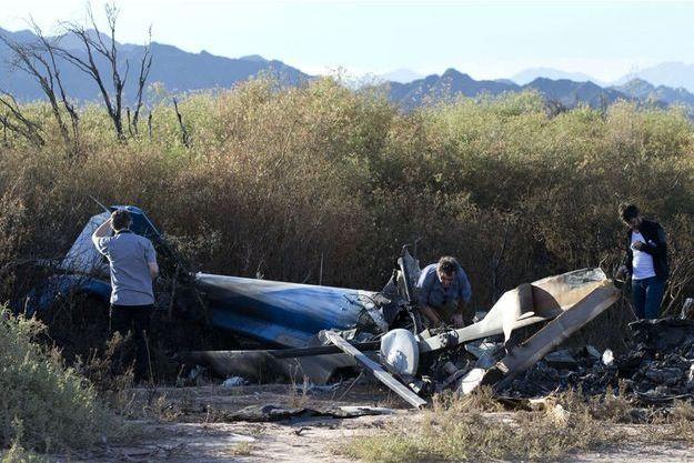L'enquête a commencé sur le lieu du crash.