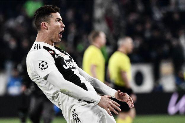Cristiano Ronaldo a mimé l'acte sexuel après avoir inscrit le troisième but de la rencontre.