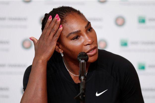 Serena Williams lors de la conférence de presse annonçant son forfait.