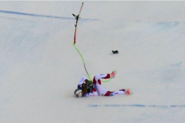 La chute de Marc Gisin Lors de la descente de Coupe du Monde de Val Gardena.