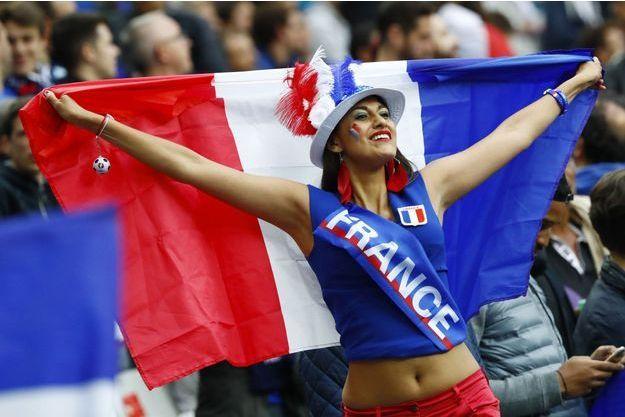 Une supportrice française lors de l'Euro 2016.