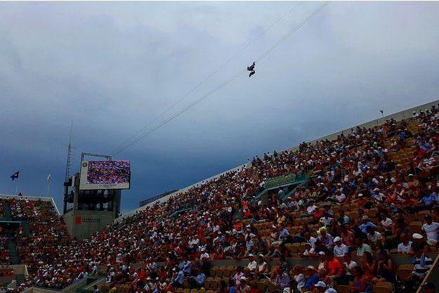 En fin de journée, l'orage se faisait de plus en plus menaçant sur Roland-Garros.