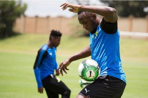 Usain Bolt à l'entrainement de football en janvier 2018