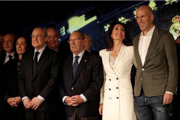 Veronique et Zinédine Zidane lors de la conférence de presse de son retour au Real Madrid le 11 mars 2019.