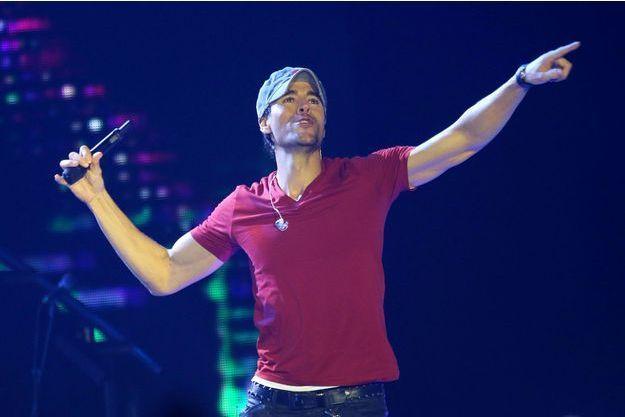 Enrique Iglesias s'est blessé en plein concert samedi dernier.