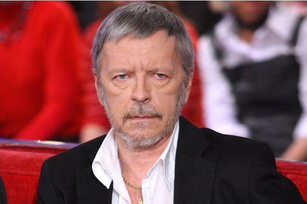 """Renaud en 2010 sur la plateau de """"Vivement Dimanche""""."""