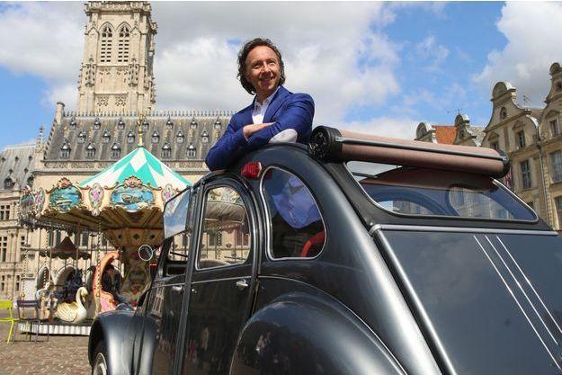 Stephane Bern à Arras pour le tournage de l'émission «Le monument préféré des Français».