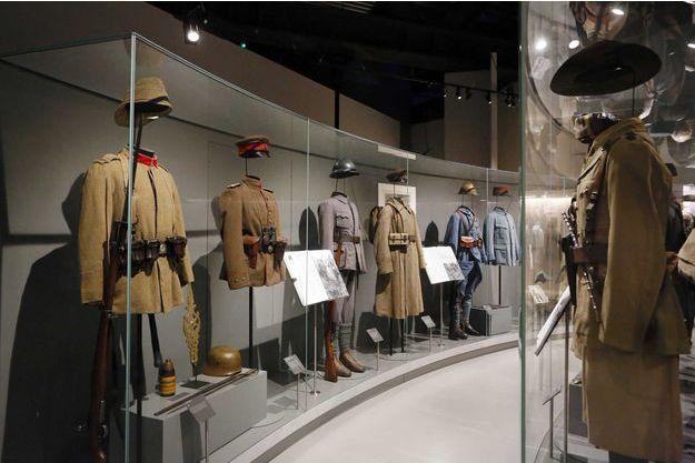 Des uniformes de la guerre 14-18.