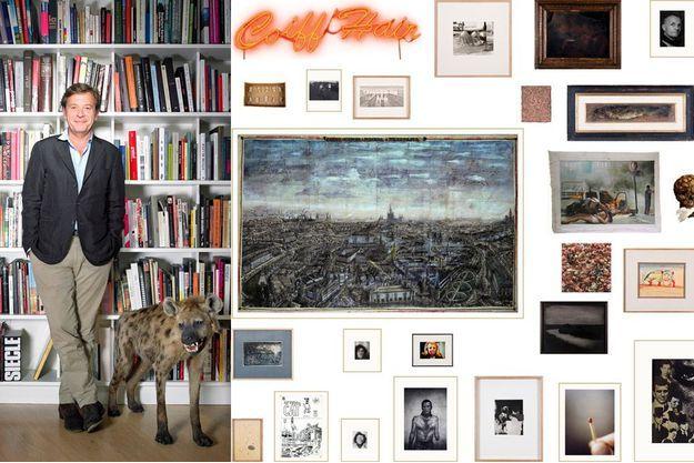 Au côté d'Antoine de Galbert, la « hyène », de Nicolas Milhé. A droite, un extrait du « mur » de la collection d'Antoine de Galbert.