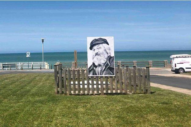 Portrait d'un habitant des Grandes Dalles, conçu par JR, visible jusqu'à fin août.