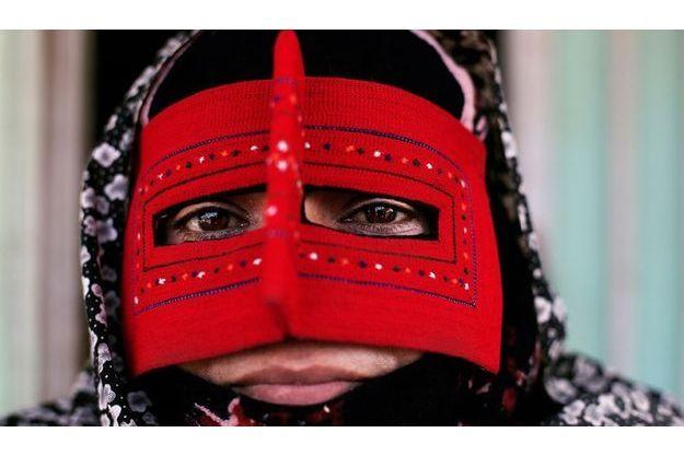Femme Bandari qui porte la burqa en Iran