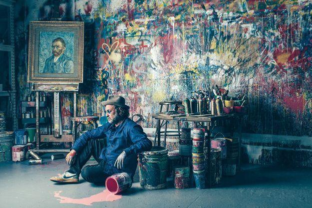 Dans son atelier, de West Hollywood.