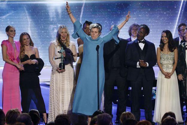 """Le casting de """"3 Billboards : Les panneaux de la vengeance aux SAG Awards dimanche."""