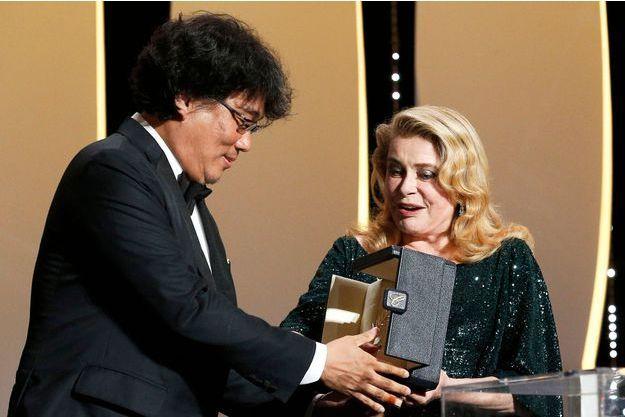 C'est Catherine Deneuve qui a remis la Palme d'or à Bong Joon-ho pour «Parasite».