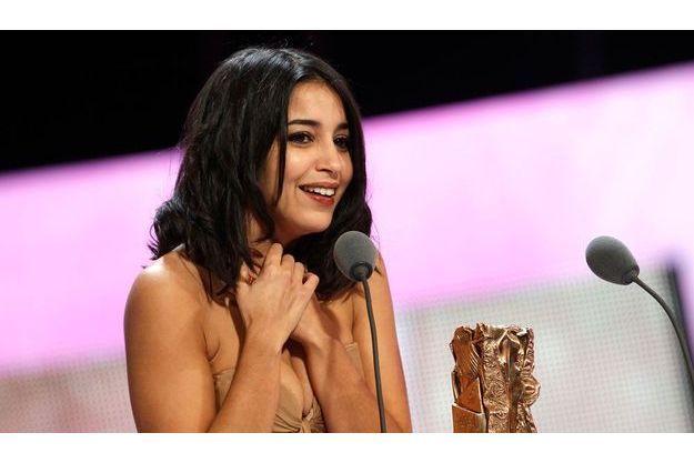 L'émotion de Leîla Bekhti, lors de son César 2011.