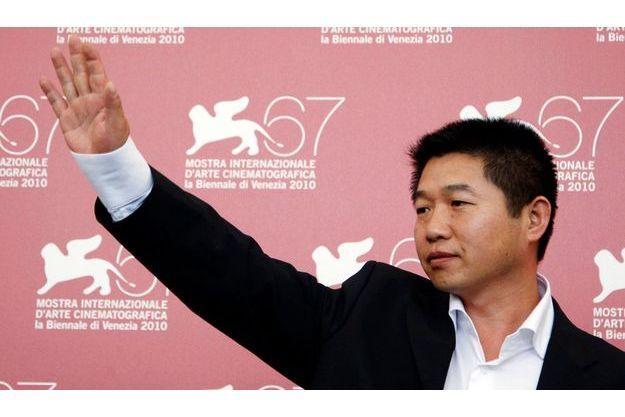 Le cinéaste Wang Bing, lors de la présentation du film au Festival de Venise.