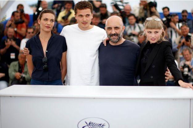 """Gaspar Noé et le casting du film """"Love"""" Aomi Muyock, Karl Glusman et Klara Kristin"""
