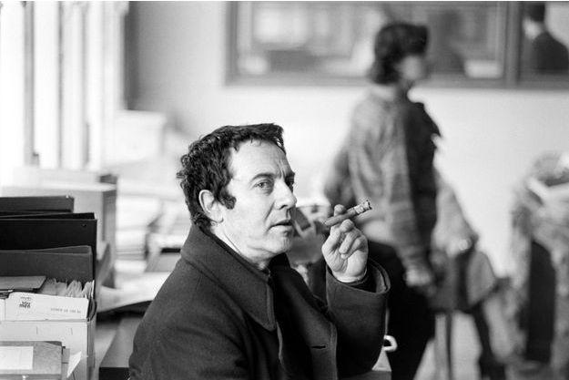 """Alain Jessua sur le tournage de """"Le Paradis pour Tous"""" en 1982."""
