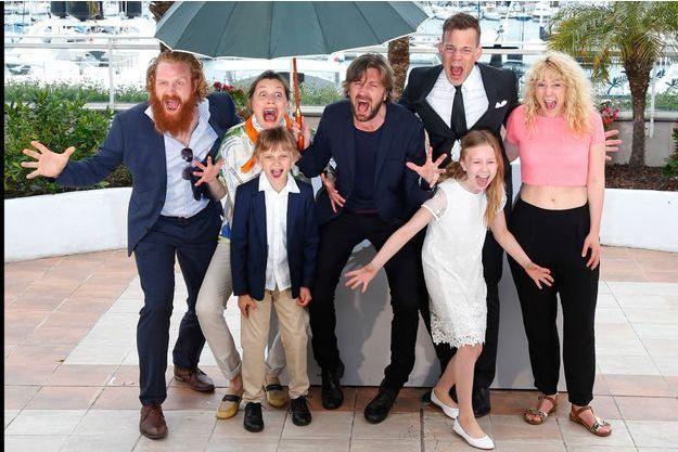 """L'équipe de """"Snow Therapy"""", lors du dernier Festival de Cannes."""