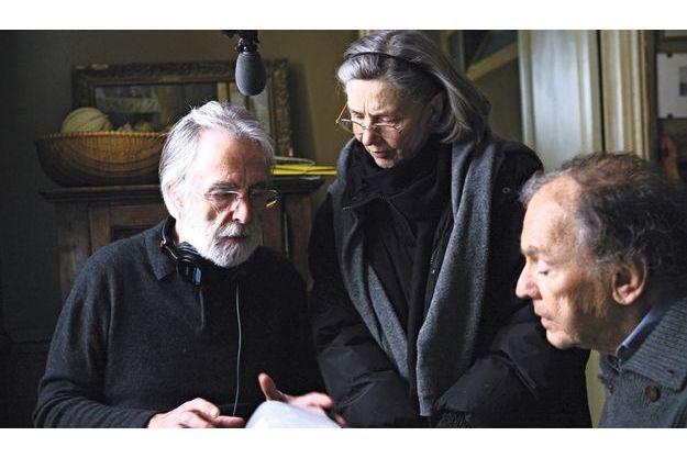 Le réalisateur avec Emmanuelle Riva et Jean-Louis Trintignant.