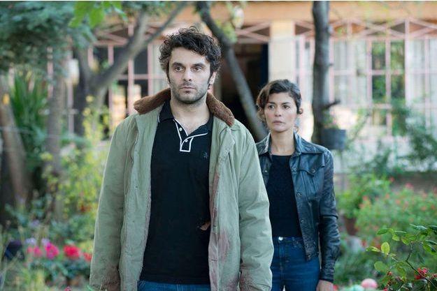 """Pio Marmaï et Audrey Tautou dans """"En Liberté !"""" de Pierre Salvadori."""