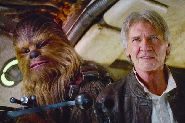 """Harrison Ford et Chewbacca dans le nouveau volet de Star Wars, """"L'éveil de la Force"""". Si le premier a grisonné, son compagnon n'a pas pris une ride."""