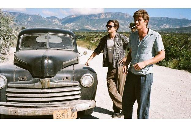 """Sam Riley et Garrett Hedlund dans """"Sur la route""""."""