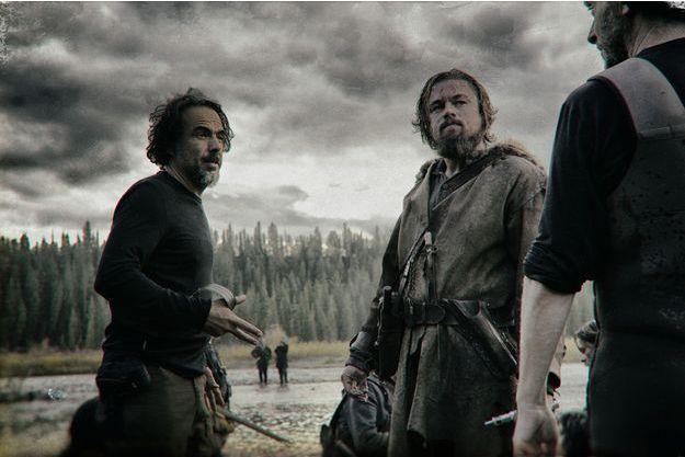 """Alejandro González Iñárritu et Leonardo DiCaprio sur le tournage du film """"The Revenant"""""""