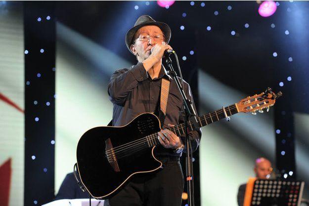 Son concert « Les retrouvailles » tombe sous le sens. Le chanteur d'« A vava inouva » ne s'était pas produit dans son pays depuis 1979.