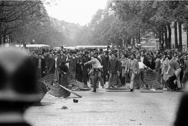 Le 6 Mai 68 : Premiers affrontements entre étudiants et forces de l'ordre au Quartier Latin.