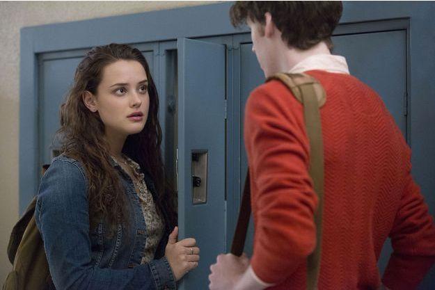 """Katherine Langford (Hannah) et Devin Druid (Tyler) dans la saison 1 de """"13 Reasons Why""""."""