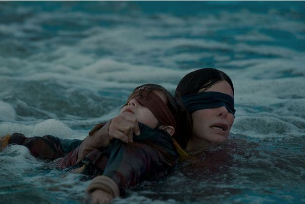 "Sandra Bullock dans le film ""Bird Box""."