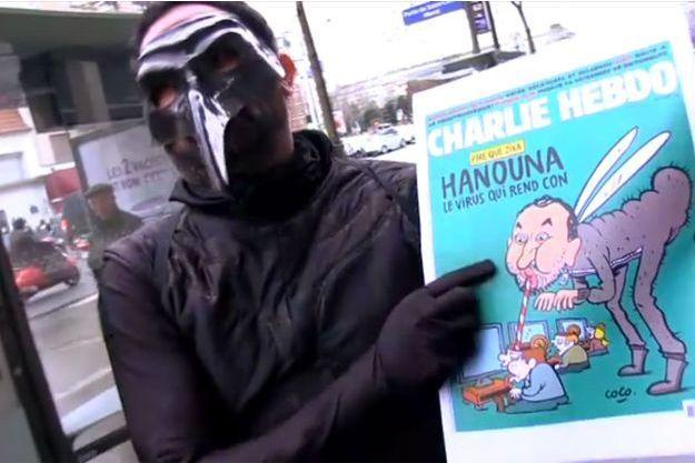 Cyril Hanouna déguisé en moustique.