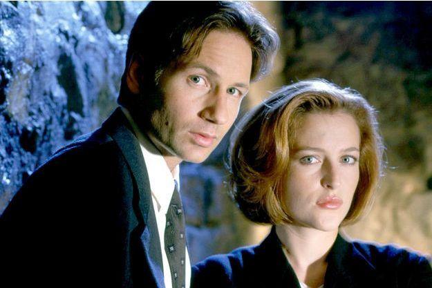 David Duchovny (Fox Mulder) et Gillian Anderson (Dana Scully).