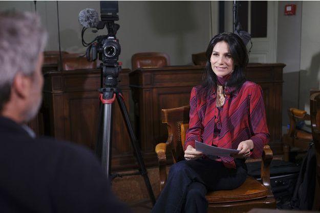 """Marie Drucker lors du tournage de """"ELLES ont toutes une histoire""""."""