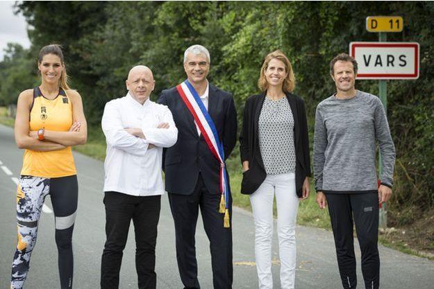 Laury Thilleman, Thierry Marx, le maire de Vars Jean-Marc de Lustrac, le médecin nutritionniste Vanessa Rolland et l'entraîneur Renaud Longuèvre.