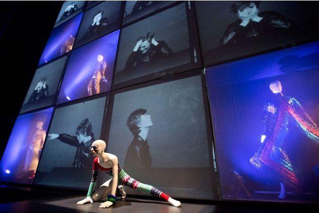 """L'exposition """"David Bowie is"""", du 23 mars au 11 août."""