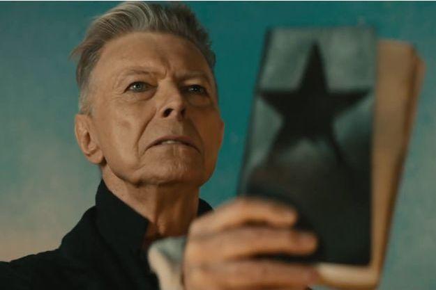 """David Bowie dans le clip """"Blackstar"""""""