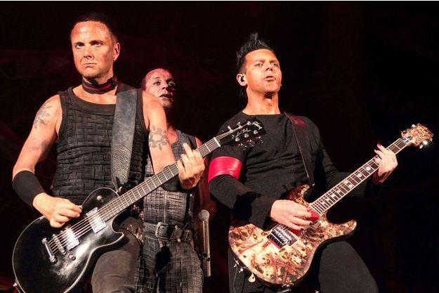 En-Russie-les-guitaristes-de-Rammstein-s