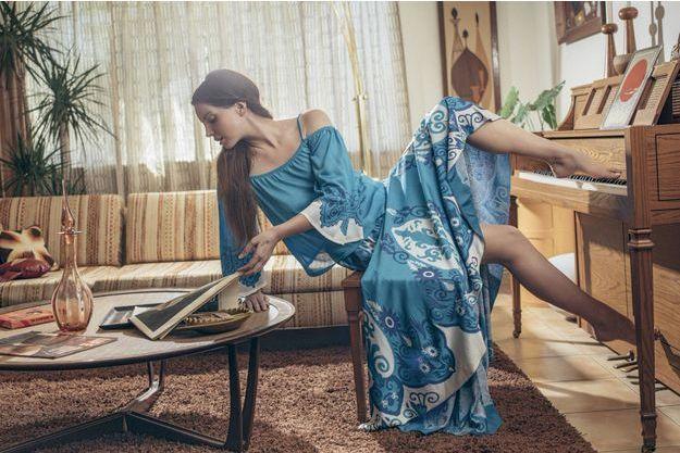 Un style très naturel pour cette adepte de la natation qui a aussi des talents d'acrobate.