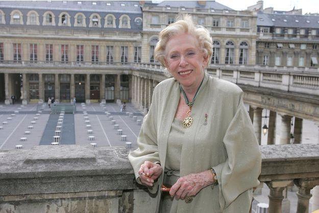 Patachou le 4 mai 2004, après avoir été faite commandeur dans l'ordre des arts et des lettres.