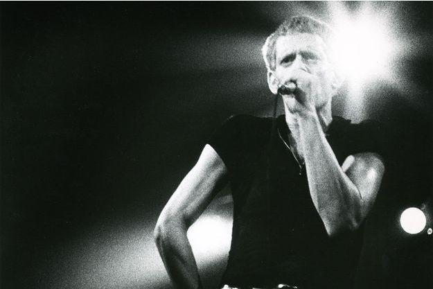 Lou Reed sur scène à Anvers, en Belgique, en 1974.