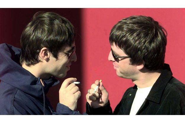 La photo est trompeuse. Les frères Gallagher ne s'entendaient plus depuis de nombreuses années.