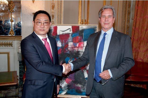 Jiang Shanqing avec Jean-Louis Debré.