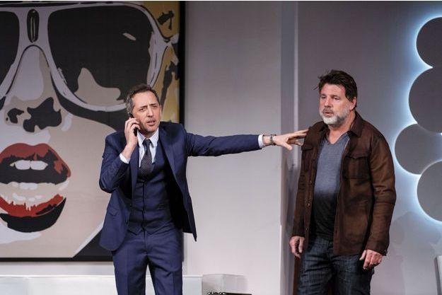 Gad Elmaleh prolonge au théâtre de la Madeleine « L'invitation » qu'il joue depuis avril avec son complice Philippe Lellouche. Le meilleur moyen pour l'humoriste de se sortir d'un moment compliqué dans sa carrière.