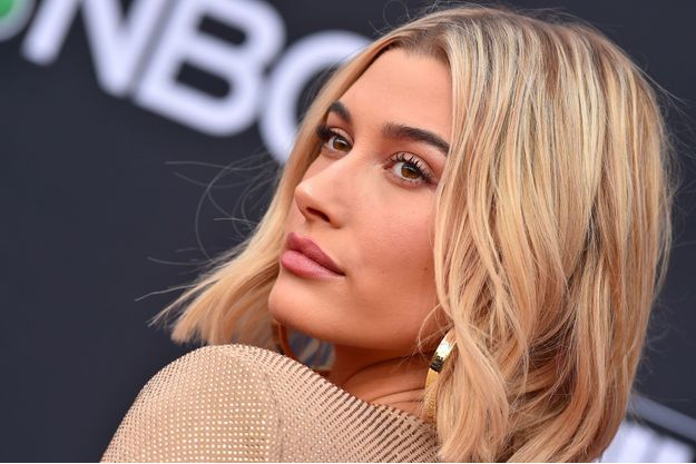 Hailey Baldwin aux Billboard Music Awards le 20 mai 2018 à Las Vegas