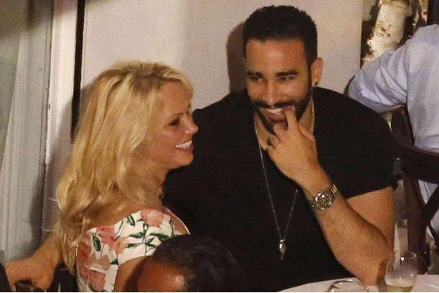 Pamela Anderson et Adil Rami en amoureux.