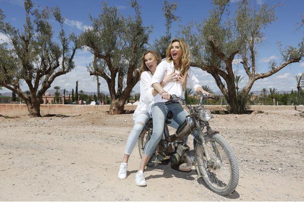 Délire à deux sur une mob mythique : « Natalia est casse-cou comme moi, on a fait plein de rallyes ensemble », dit Adriana.